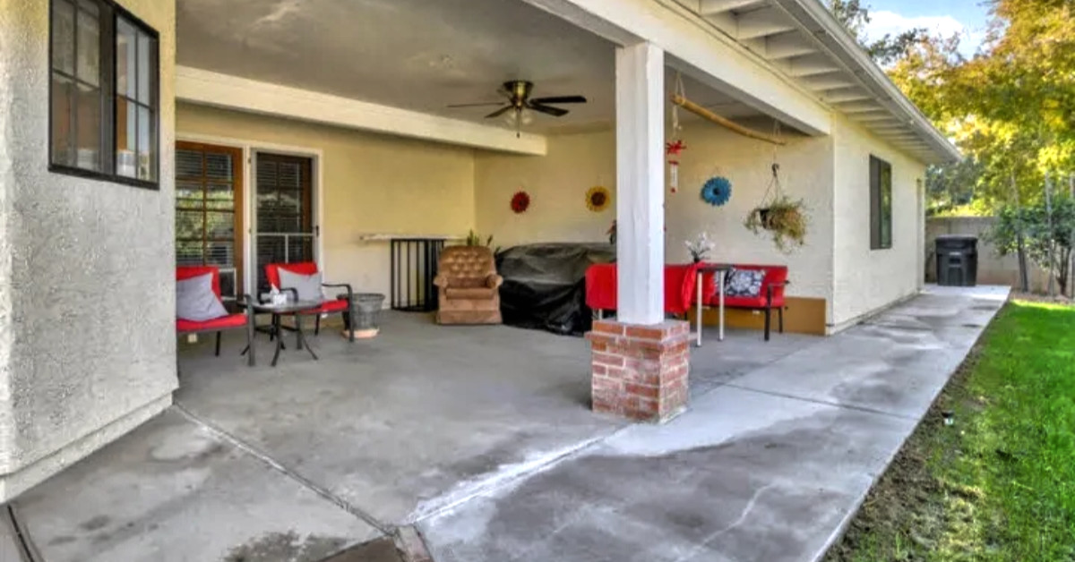 Picture of back patio with furniture